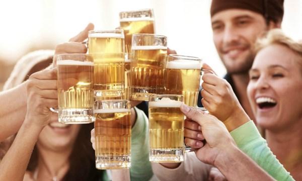 uống bia đúng cách